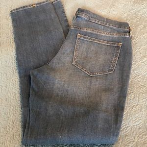 Old Navy size 6 distressed jeans